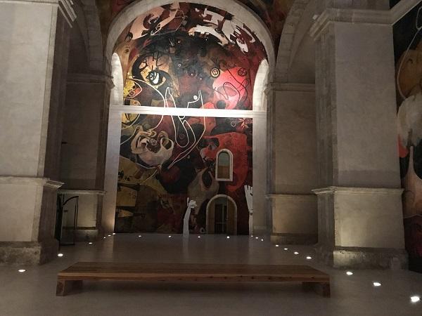 Pinturas murales en el interior